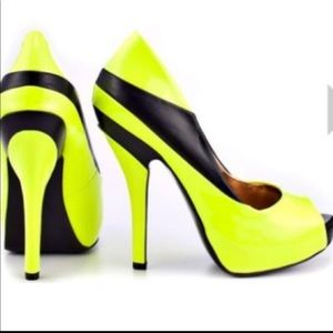 BCBGeneration Neon Yellow / Black Liberty Pumps